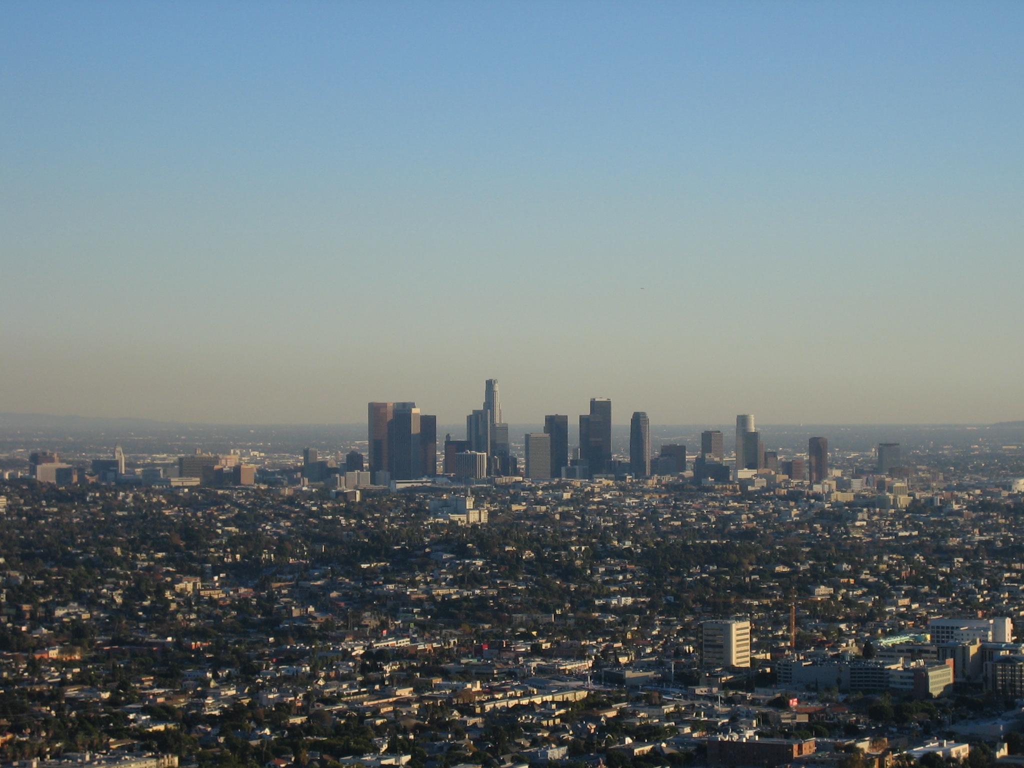 Lands in Los Angeles